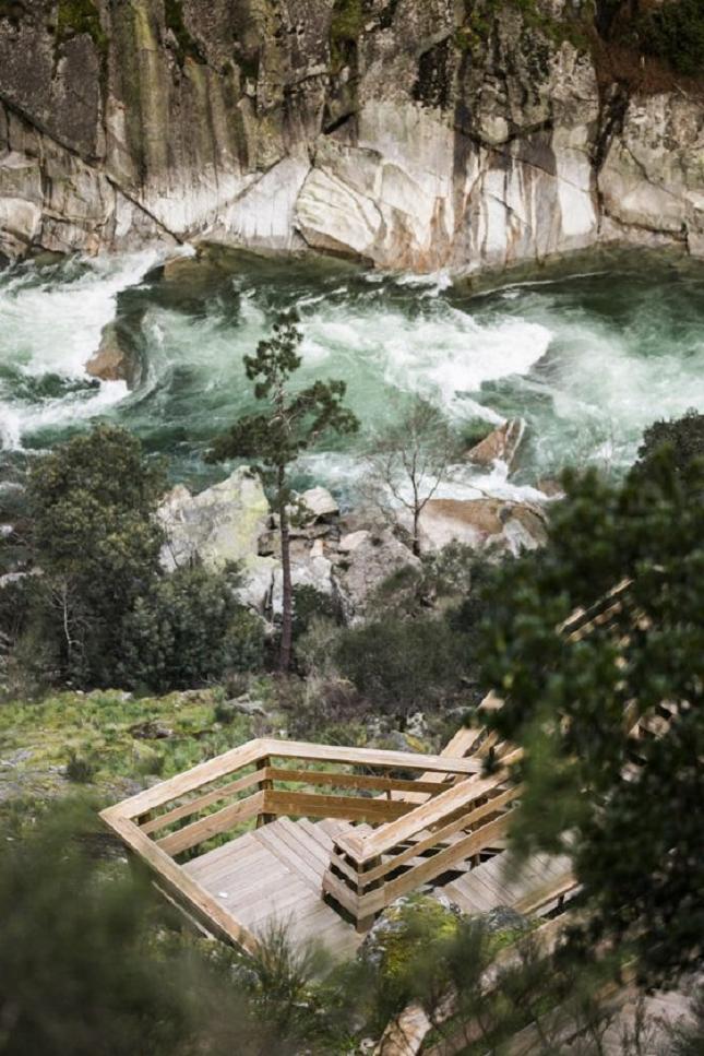 excurtion -Portugal-passerelle en bois11