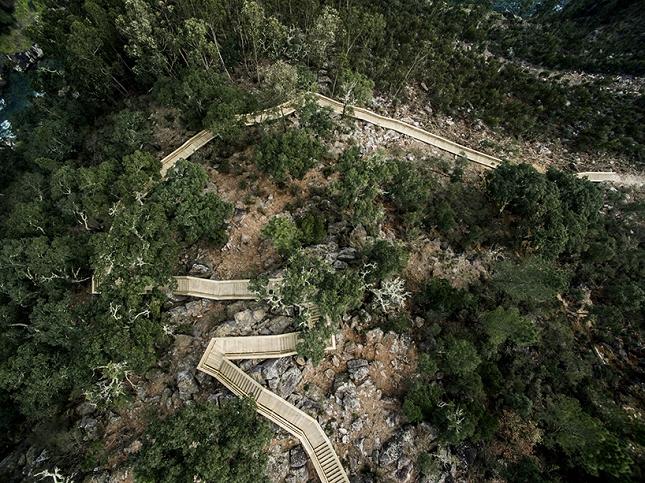 excurtion -Portugal-passerelle en bois5
