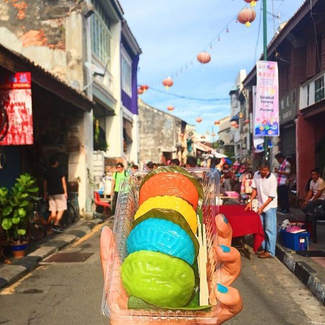 Ang Koo kuih - un gâteau Nyonya à base de riz gluant- à Penang - en Malaisie