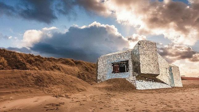 blockhaus-Bunker-Miroir-Oeuvre-detournement-17