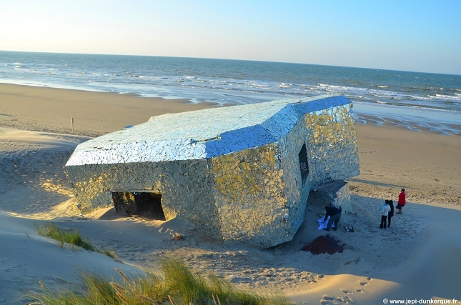 blockhaus-Bunker-Miroir-Oeuvre-detournement-8