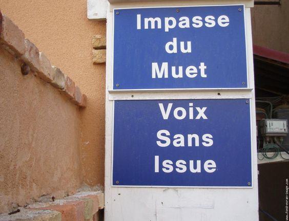 des-panneaux-de-signalisation-insolites-005